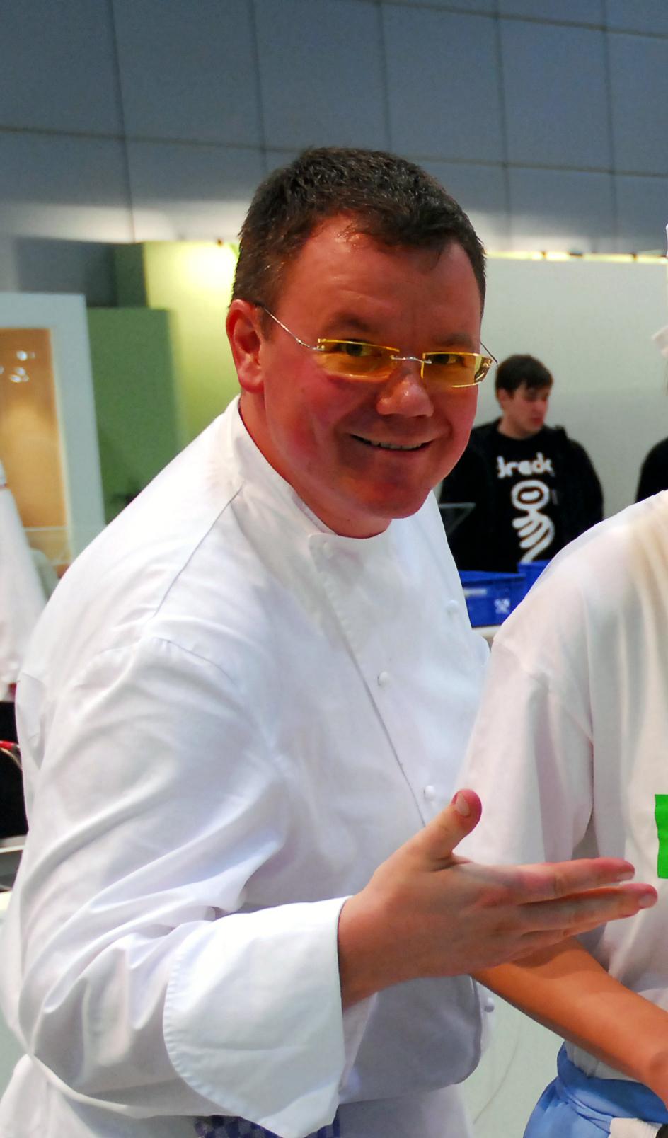 Seit Dem 1.Juli 2017 Verantwortet Peter Niemann Den Umbau Des  Gourmetrestaurants Sowie Den Neubau Eines Zweiten Restaurants, Um U2013 Mit  Seiner Vom Guide ...
