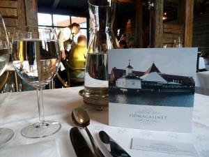 Göteborg,Sjömagasinet. Das exklusive Fisch- und Schalentierrestaurant empfängt die Gäste mit einem tollen Blick auf die Hafeneinfahrt. Küchenchef ist seit dem Frühjahr 2011 der Sternekoch Ulf Wagner.
