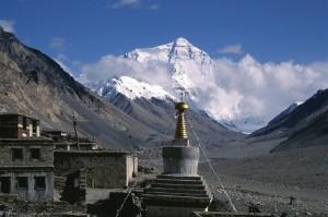 Rongbuk-Kloster mit Blick auf den Mount Everest, CAISSA Touristic: