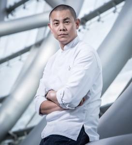 """André Chiang als """"Gastkoch"""" im Januar 2014 im Restaurant Ikarus, Hangar-7"""