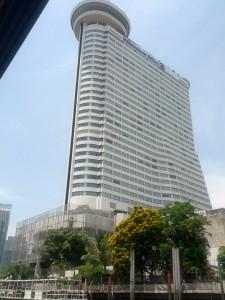 HMB, Millennium Hilton Bangkok feiert 8. Geburtstag