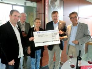 Scheckübergabe an die Willi-Sitte-Stiftung (Foto: Anja Weise)