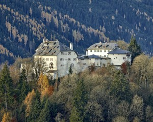Schloss_Mittersill_Aussenansicht_Panorama