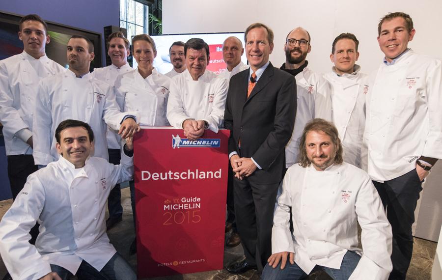 Gruppenfoto Mit Köchen V.l.n.r.: Hinten: M. Maucher, A. Joynes, P